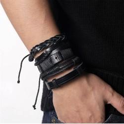 Juego de 5 pulseras cuero negro.