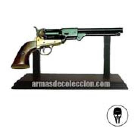 revolver wooden hanger