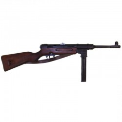 MP41 sub-machine gun, 9mm, Germany 1940 (World War II). With lea