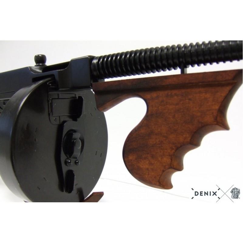 La pistola contra el jinete rudo