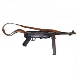 MP40 com cinto de pele