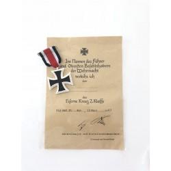 Réplica de Cruz de Hierro con certificado del Führer