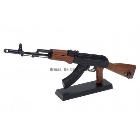 Replica a escala fusil ak47